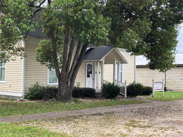 2108 6th Street, Bay City, TX 77414 (MLS #33912211) :: Texas Home Shop Realty