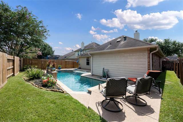 2705 Hidden Bay Court, Pearland, TX 77584 (#34059188) :: ORO Realty