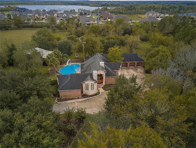 2202 San Joaquin Parkway, Friendswood, TX 77546 (MLS #35031254) :: Giorgi Real Estate Group