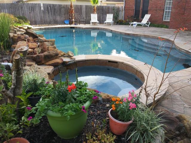 6410 Wimbledon Villas Drive, Spring, TX 77379 (MLS #35355571) :: Texas Home Shop Realty