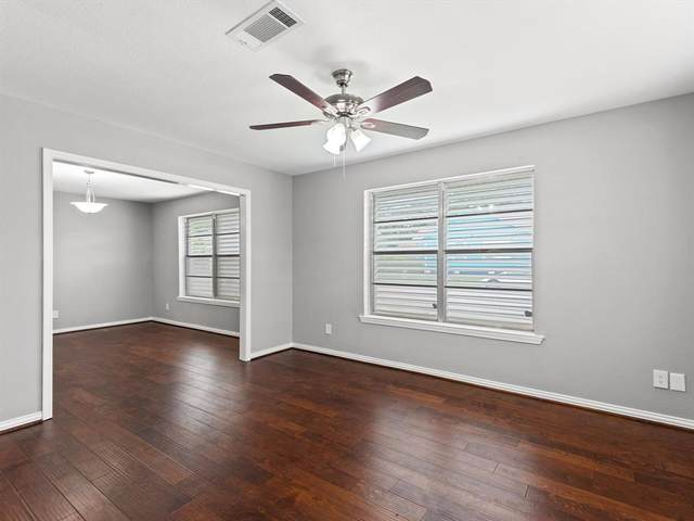 4702 Avenue P 1/2, Galveston, TX 77551 (MLS #36601218) :: The Wendy Sherman Team