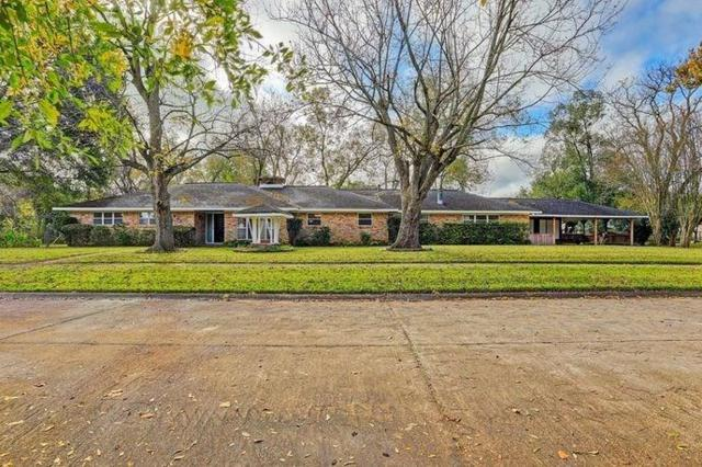 902 N Mcginty Street, Alvin, TX 77511 (MLS #37235343) :: Texas Home Shop Realty