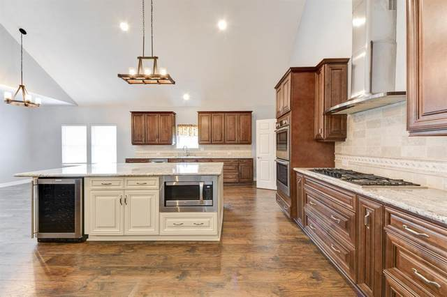 245 Hogan Lane, Hempstead, TX 77445 (MLS #38417116) :: The Queen Team