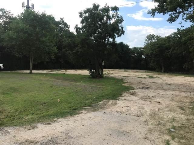 926 W Cedar Bayou Lynchburg Road, Baytown, TX 77521 (MLS #38859620) :: The SOLD by George Team