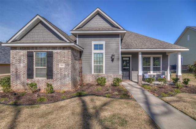 924 Caroline Street, Montgomery, TX 77356 (MLS #39562935) :: Texas Home Shop Realty