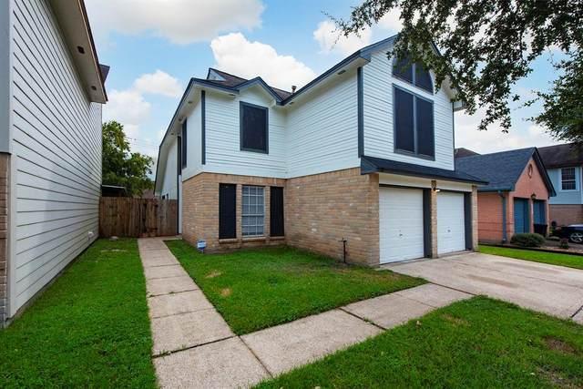 934 Hartman Drive, Baytown, TX 77521 (MLS #40300417) :: Christy Buck Team