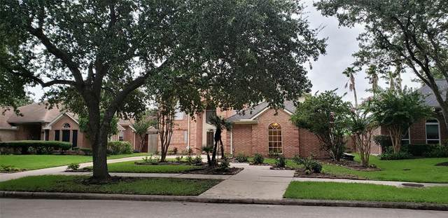 310 Vantage Pointe Circle, League City, TX 77573 (MLS #40439931) :: The SOLD by George Team