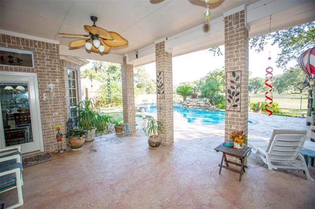 800 Enchanted Oaks Drive, Angleton, TX 77515 (MLS #41627660) :: Ellison Real Estate Team