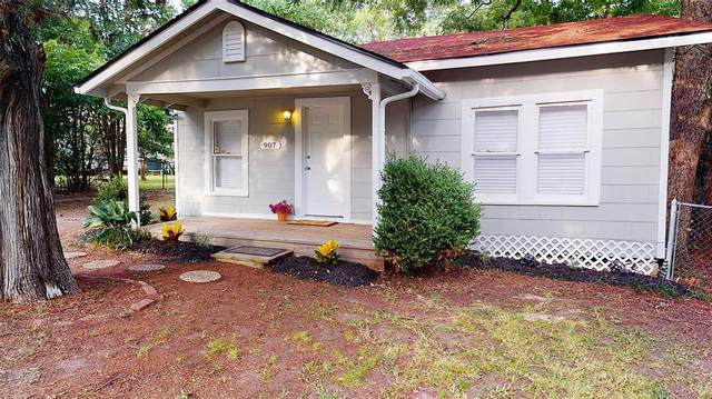 907 Avenue I, Huntsville, TX 77320 (MLS #44688969) :: The SOLD by George Team