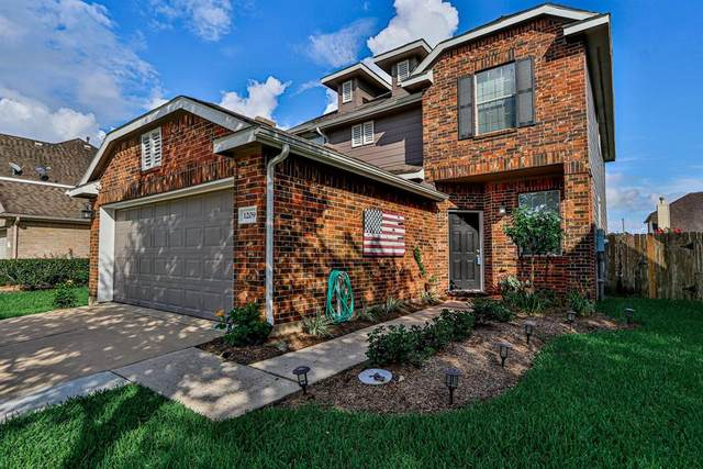 1209 Stallion Ridge, Alvin, TX 77511 (MLS #47867175) :: The SOLD by George Team