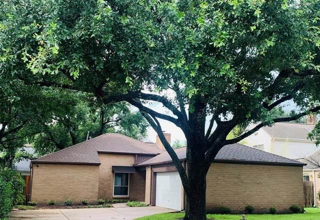 11410 Overbrook Lane, Houston, TX 77077 (#4849073) :: ORO Realty