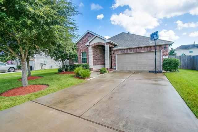 103 Avery Springs Lane, Dickinson, TX 77539 (MLS #48843648) :: Texas Home Shop Realty