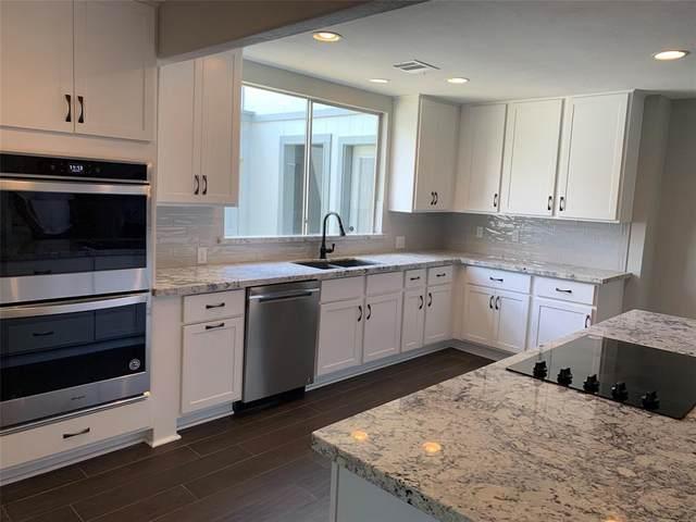 6 Earlham Drive, Friendswood, TX 77546 (MLS #48850566) :: Ellison Real Estate Team