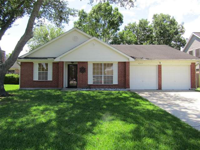 2903 Forest Hills Drive, League City, TX 77573 (MLS #49365557) :: The SOLD by George Team