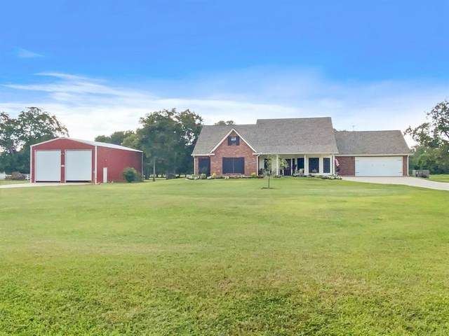 432 Mill Road, Angleton, TX 77515 (MLS #51769374) :: Lerner Realty Solutions