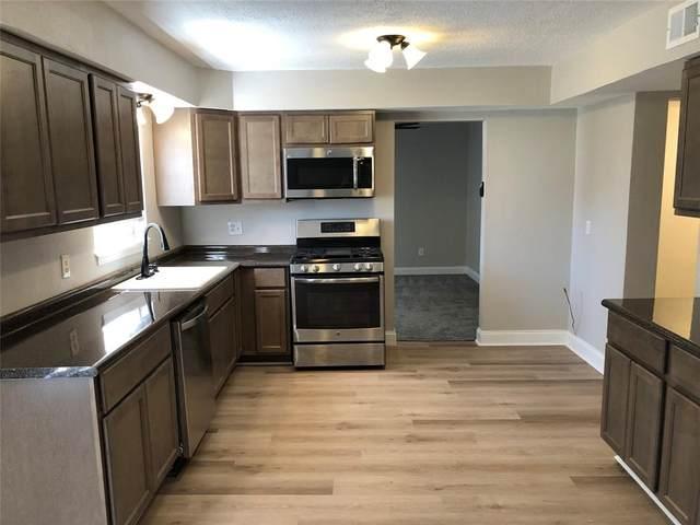 5011 Fairway Drive, Baytown, TX 77521 (MLS #58577750) :: The Home Branch
