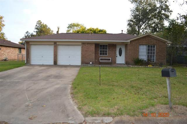 509 Holly Street, Angleton, TX 77515 (MLS #58735350) :: The Property Guys