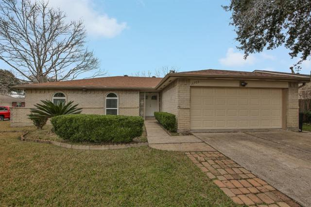 16703 Oxnard Lane, Friendswood, TX 77546 (MLS #62972102) :: JL Realty Team at Coldwell Banker, United