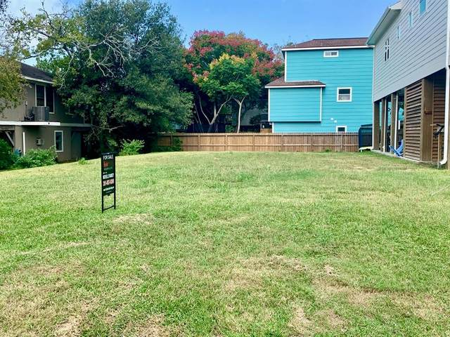802 Forest Road, Clear Lake Shores, TX 77565 (MLS #6321286) :: The Bly Team