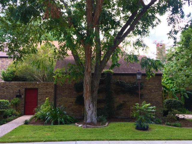 7 Town Oaks Place, Bellaire, TX 77401 (MLS #63616323) :: Texas Home Shop Realty