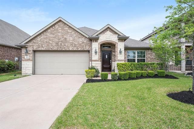 18222 Russett Green Drive, Tomball, TX 77377 (MLS #6375266) :: The Sansone Group