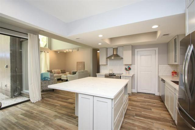 137 Litchfield Lane, Houston, TX 77024 (MLS #65477375) :: Texas Home Shop Realty