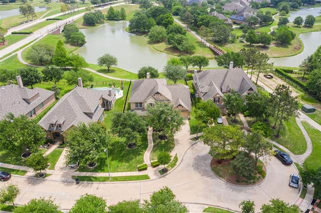 12306 N Austin Shore Drive, Cypress, TX 77433 (MLS #67109401) :: Connell Team with Better Homes and Gardens, Gary Greene