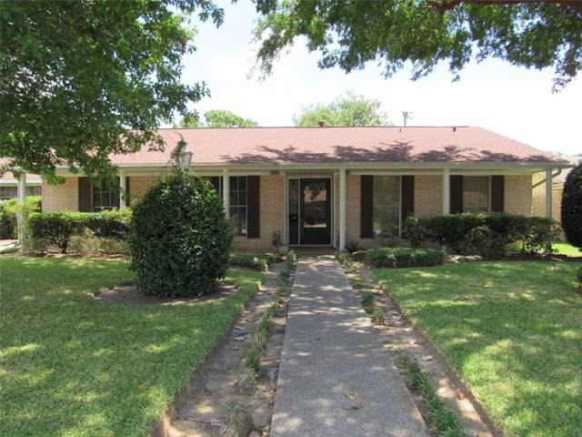 1907 Raintree Street, Baytown, TX 77520 (MLS #67406803) :: The Heyl Group at Keller Williams