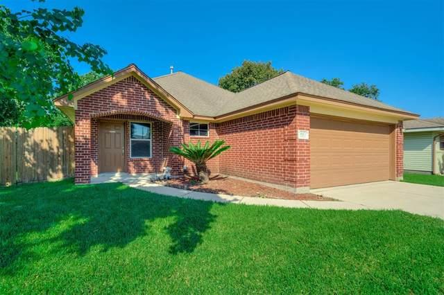 820 S 4th Street, La Porte, TX 77571 (MLS #69156615) :: Green Residential