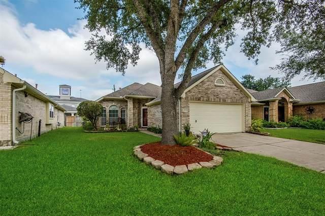 902 Peach Blossom Drive, Pearland, TX 77584 (MLS #69406755) :: The Freund Group