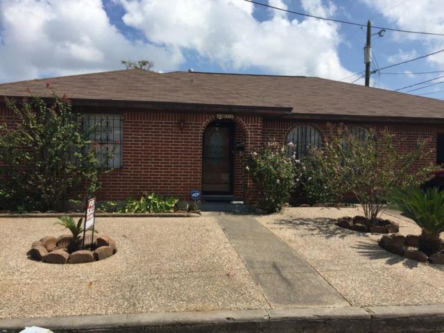 1812 51st Street, Galveston, TX 77551 (MLS #73997834) :: Team Parodi at Realty Associates