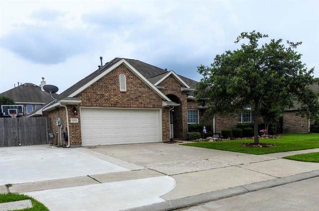 13614 Cotton Run, Mont Belvieu, TX 77523 (MLS #75466480) :: Guevara Backman