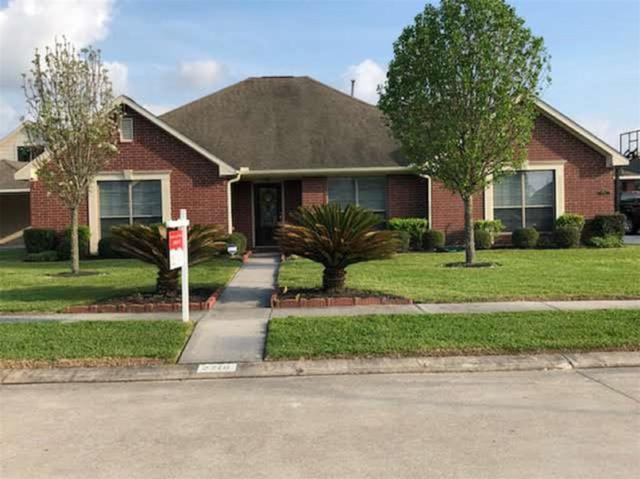 2718 Surrey Circle, Manvel, TX 77578 (MLS #75603401) :: Christy Buck Team