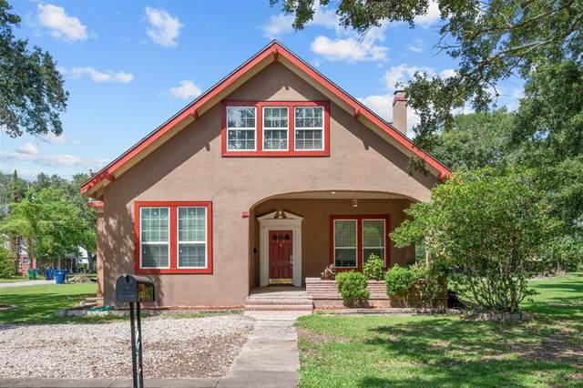 503 E Myrtle Street, Angleton, TX 77515 (MLS #75981235) :: Christy Buck Team