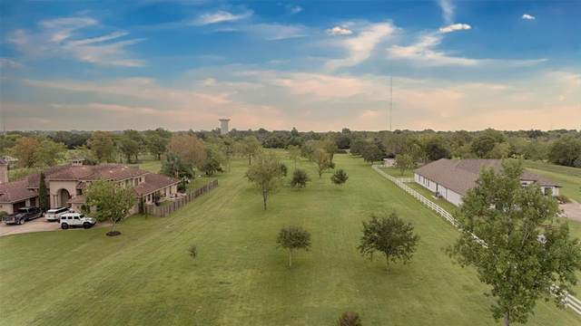 5 Mandale Road, Friendswood, TX 77546 (MLS #79393793) :: Texas Home Shop Realty