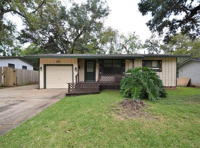 113 Jasmine Street, Lake Jackson, TX 77566 (MLS #81319036) :: Caskey Realty