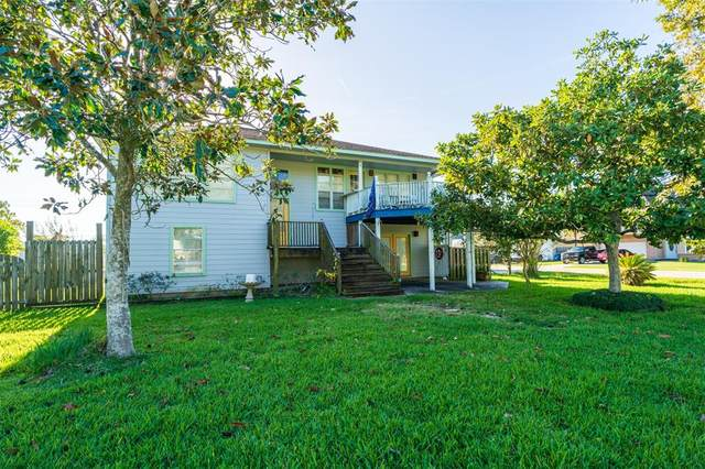 1434 Bayshore Drive, Kemah, TX 77565 (MLS #83038395) :: The SOLD by George Team