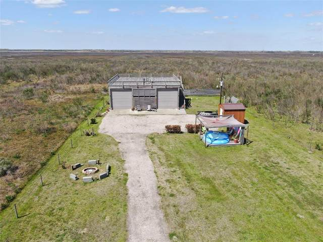 1081 Hwy 87, Gilchrist, TX 77617 (MLS #83180112) :: The Queen Team