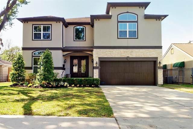 3225 Durhill Street, Houston, TX 77025 (#86113021) :: ORO Realty