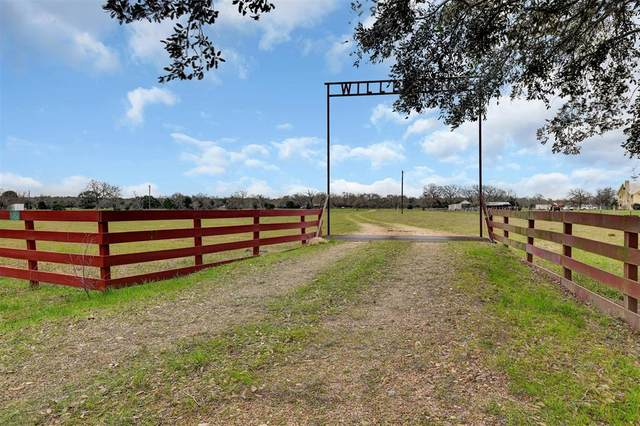 1459 Shaws Bend Road, Columbus, TX 78934 (MLS #86811218) :: Guevara Backman