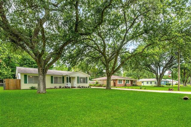 4430 Main Street, Santa Fe, TX 77510 (MLS #87337131) :: Connell Team with Better Homes and Gardens, Gary Greene