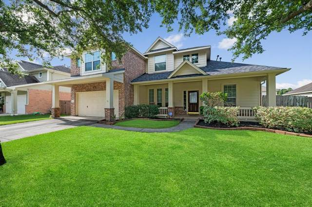 1422 Cottage Cove Court, Seabrook, TX 77586 (MLS #88245696) :: The Bly Team