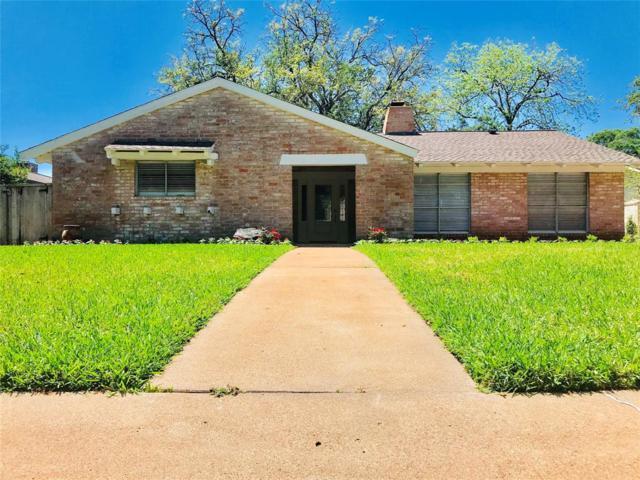 18318 Carriage Lane, Houston, TX 77058 (MLS #89626860) :: Texas Home Shop Realty