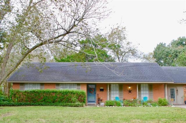1610 S Lee Street, Alvin, TX 77511 (MLS #89775282) :: Texas Home Shop Realty