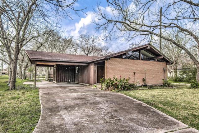 504 N Magnolia Street, Highlands, TX 77562 (MLS #89827992) :: Texas Home Shop Realty