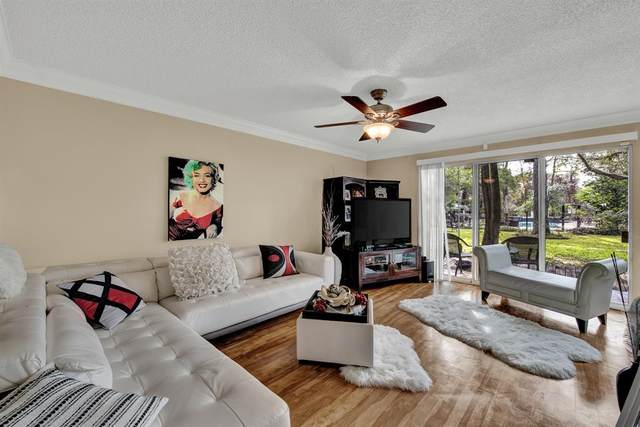 8211 Katy Freeway #27, Houston, TX 77024 (MLS #89998007) :: My BCS Home Real Estate Group