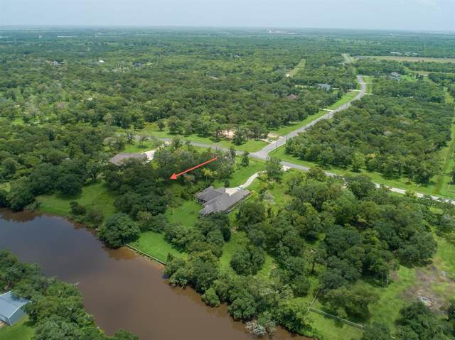 32318 Bayou Bend, Richwood, TX 77515 (MLS #90614463) :: My BCS Home Real Estate Group