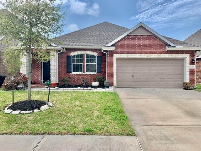 8315 Bay Harbor Circle, Baytown, TX 77523 (MLS #92056798) :: Christy Buck Team