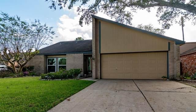 15822 Dunmoor Drive, Houston, TX 77059 (MLS #92101263) :: The Freund Group