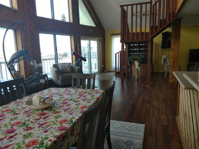 518 Paradise Drive, Tiki Island, TX 77554 (MLS #93850344) :: The SOLD by George Team